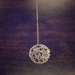 BEAUTIFUL SILVER NECKLACE with SPRING ETCHING
